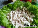 Сам салат выкладываем слоями:   курица, майонез.