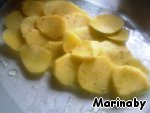 In this dish I used potatoes, although the recipe it is not. Cut into thin slices.