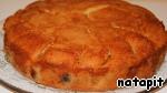 Затем подрезать по кругу края и освободив пирог поместить его на блюдо. Посыпать сахарной пудрой