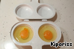 Cook the poached egg. I will not go into details how to do this, the options on the site a lot.  I have such a device for a microwave oven.  And I like this option, very convenient http://www.povarenok .ru/recipes/show/106 87/ thanks to the author!