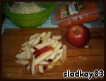 Apples cut into strips or RUB strips on a special grater. Carrots we have sticks, if using whole carrots, you also grate on a special grater strips.