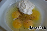 Mix the eggs with the salt, pepper and sour cream.