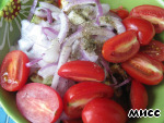There add halved cherry tomatoes, chopped dill, salt, pepper, vegetable oil.