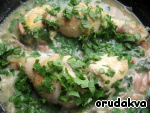 Sprinkle chopped parsley and add the remaining beer. Simmer on low heat with the lid closed, until tender (about 20-30 minutes).   On the side is very suitable for rice, but also good chicken goes well with potatoes or pasta and, of course, with vegetables.