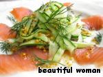 Нейтральный по вкусу огурец, соленая рыбка и сладковатая заправка – срочно нужно попробовать!