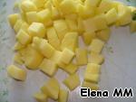 Peel the potatoes, cut into cubes,
