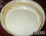 Отправляем пирог в духовку разогретую до 200 градусов и выпекаем 40-45 минут. Пирог можно кушать как теплым, так и холодным.