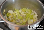 Add and slightly fry the vegetables.