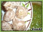 Now it was the turn of meatballs, put them in the soup, increase the heat under the pan, allow to boil, on medium heat under the lid cook for another 20 minutes. Do not forget to stir, I usually puree cook on the divider of fire.