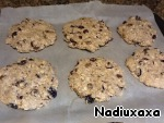 All mix well. I form the cookies with wet hands (the dough does not stick) on a baking sheet, parchment villany. And bake in the oven 180C for 15 min or until slightly browned. If you bake too long, the cookies will be hard and soft, straight melt in your mouth!