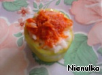 Do zazharku of carrots, onions, tomato paste. And spread on the pepper.
