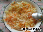 Onion, carrot and pepper stir.