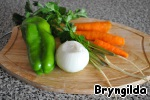Опустить туда овощи целиком и варить.