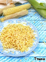 With a sharp knife to cut grain from the cob, put them in a bowl.  In the corn pour the rosemary milk, after taking out a sprigs of rosemary.