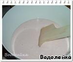 Смешиваем (я все делала в блендере) творог, сахар и йогурт до однородной массы. Пробуем на вкус и, если нужно, добавляем сахар.   Добавляем в крем остывший желатин.