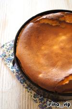 Выпекать в разогретой до 180*С духовке 65-75 мин.   Важно! Духовку 40 минут не открывать.   Не менее важно! Дать пирогу полностью остыть и лишь тогда вынимать его из формы и нарезать.