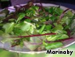 In a salad bowl put lettuce (salad you can take any).