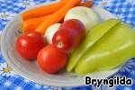 Приготовим овощи и мелко порежем.