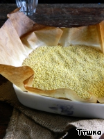 The oven heated to 200 degrees, tins of grease, dough roll out the circles, to put in shape, molded rim, put the parchment and pour any legumes or rice for shipment, bake 15 minutes.