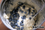 """""""Wet"""" ingredients to add to the """"dry"""" and mix well. Add 100 g blueberry/blueberry."""