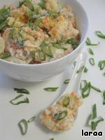 Хорошо перемешать и заправить салат.   Все просто и вкусно. Приятного аппетита.