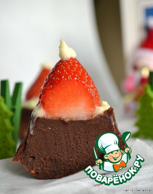 Шоколадный фондан Шапка Деда Мороза