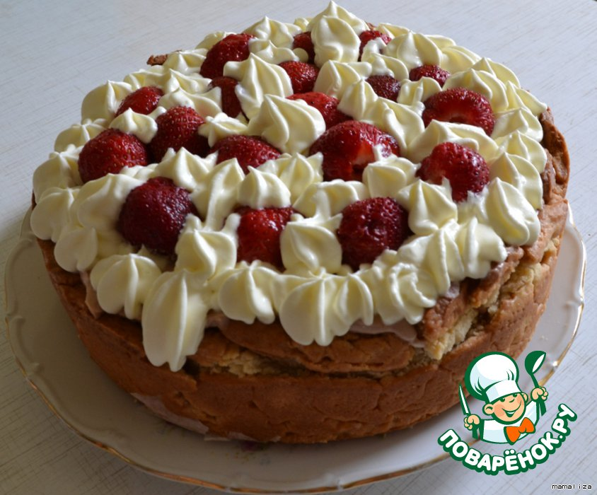 Творожный торт с клубникой в сливках