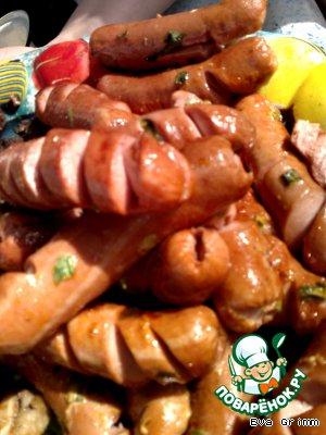 Сосиски копченые на яблоневой веточке – кулинарный рецепт