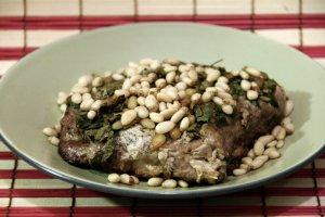 Свинина с кедровыми орешками – кулинарный рецепт