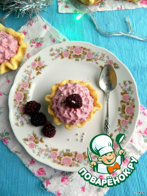 Творожные корзиночки с ежевичным суфле Розовые Снежинки
